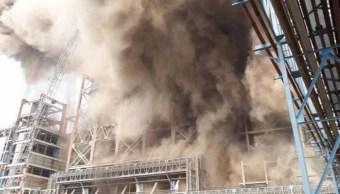 Suman 18 muertos por explosión en planta de energía térmica en India