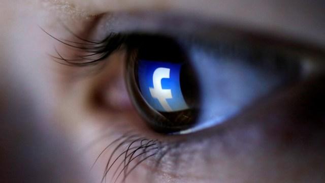 Facebook quiere detectar mensajes suicidas a través de la inteligencia artificial