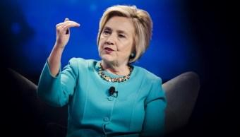 Hillary Clinton se negó a despedir a asesor acusado de acoso, según NYT