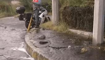 Fuga de agua en Periférico Sur y Picacho Ajusco