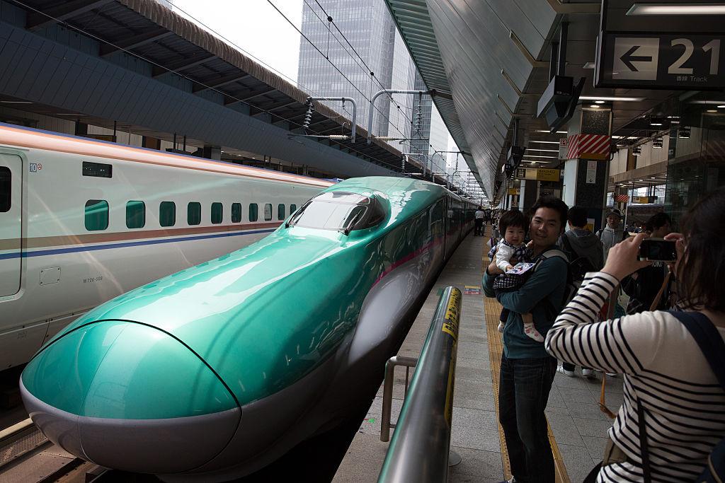 Una compañía japonesa pidió perdón porque un tren salió 20 segundos antes