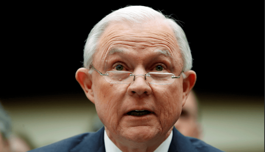 Jeff Sessions, fiscal general de Estados Unidos, testifica ante el Congreso. (AP)