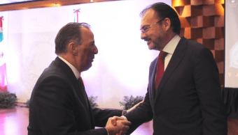 José Antonio Meade, secretario de Hacienda, saluda al canciller Luis Videgaray