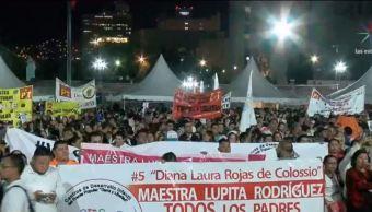 Marchan en Monterrey a favor de la maestra Lupita