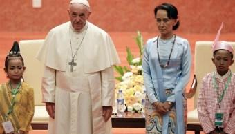 Papa Francisco pide respetar grupos étnicos Myanmar