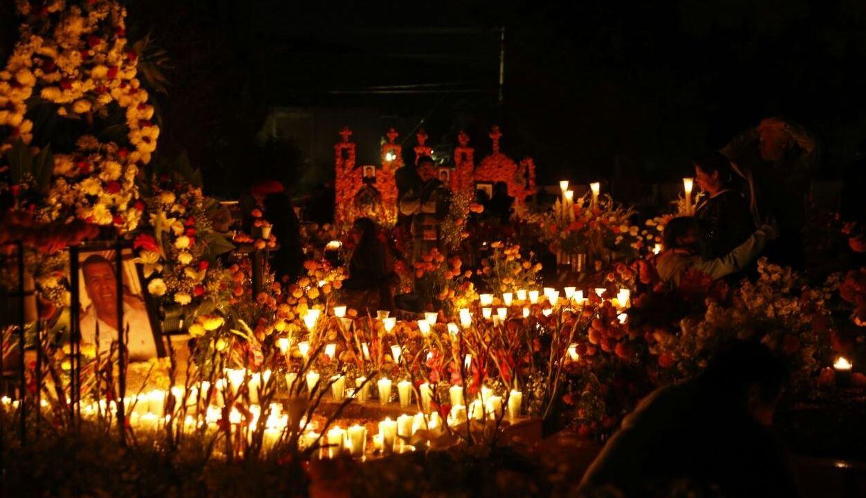Pátzcuaro, tradición y nostalgia por Día de Muertos