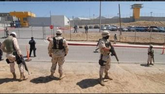 Traslada a 300 reos de Tijuana al penal El Hongo