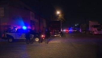Policía de Monterrey decomisa droga dentro de camioneta