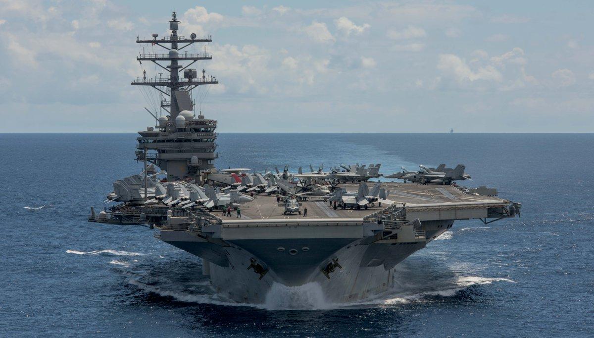 Un avión se estrella en Pacífico con 11 a bordo — Marina EEUU