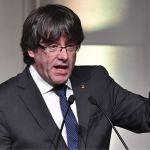 Constitucional español suspende la investidura de Puigdemont
