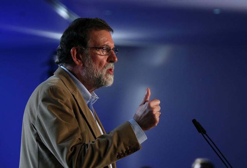 Rajoy insta a empresas a no abandonar Cataluña