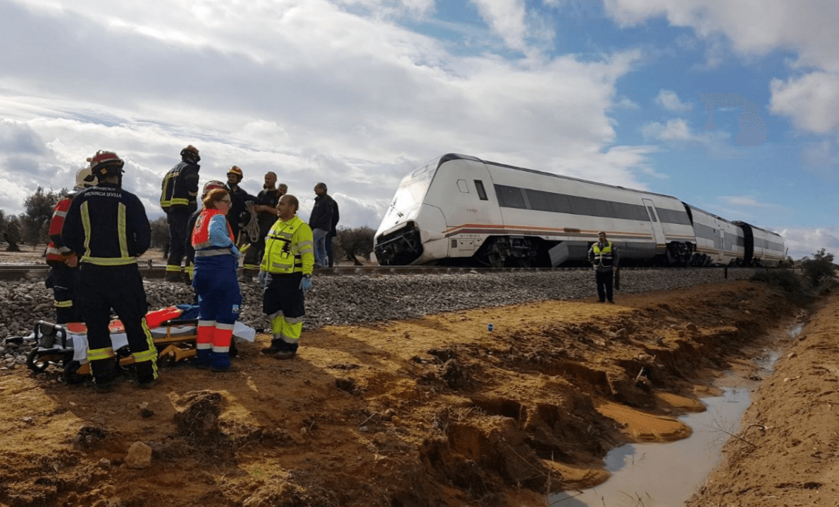 Se descarrila tren de pasajeros de la línea Málaga-Sevilla