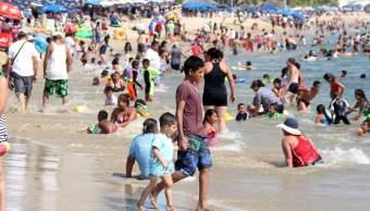 Arriban 169 mil turistas en fin de semana largo a Guerrero