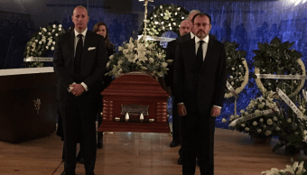 Videgaray monta guardia de honor en funeral de Rosario Green