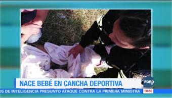 Mujer da a luz en canchas deportivas de Iztapalapa