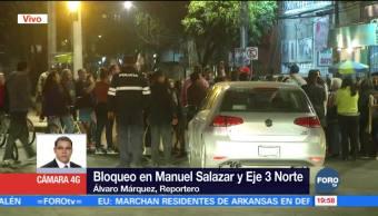 Manifestantes agreden a conductor en la CDMX
