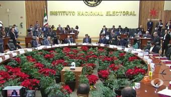 Se confrontan por recorte al presupuesto del INE