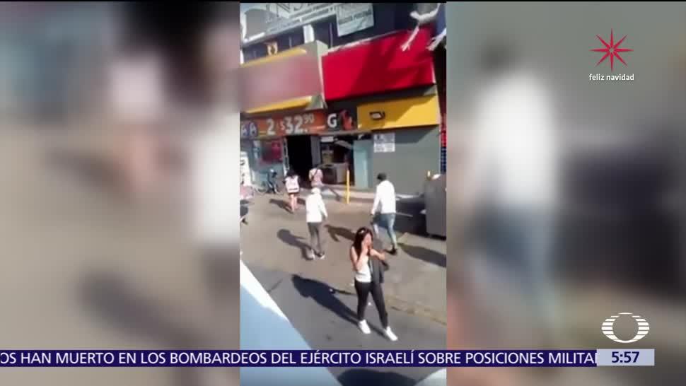 Porros del IPN saquean tienda de conveniencia en Ecatepec, Edomex