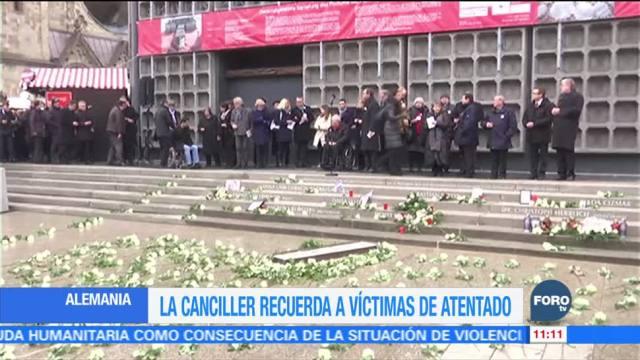 Merkel recuerda a víctimas de atentado en Berlín