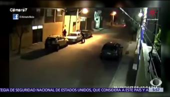 Desvalijan auto frente a residentes en Toluca