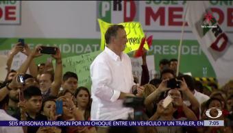 Meade visita Yucatán y se refiere a la seguridad de los periodistas