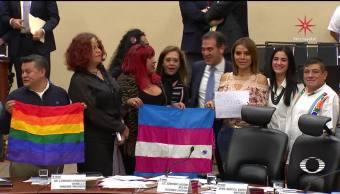 INE aprueba voto transgénero