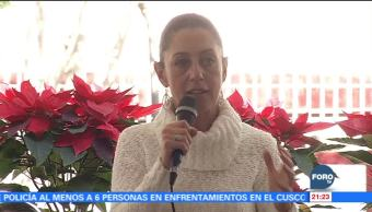 Claudia Sheinbaum platica con integrantes de comunidades indígenas