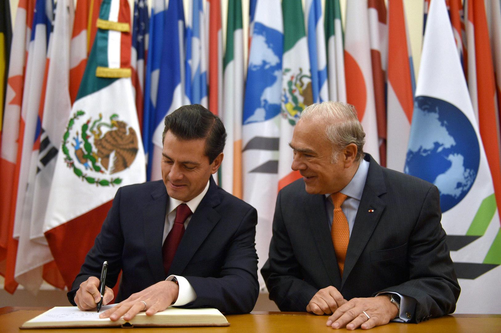 Viaja Peña Nieto a París para asistir a cumbre One Planet