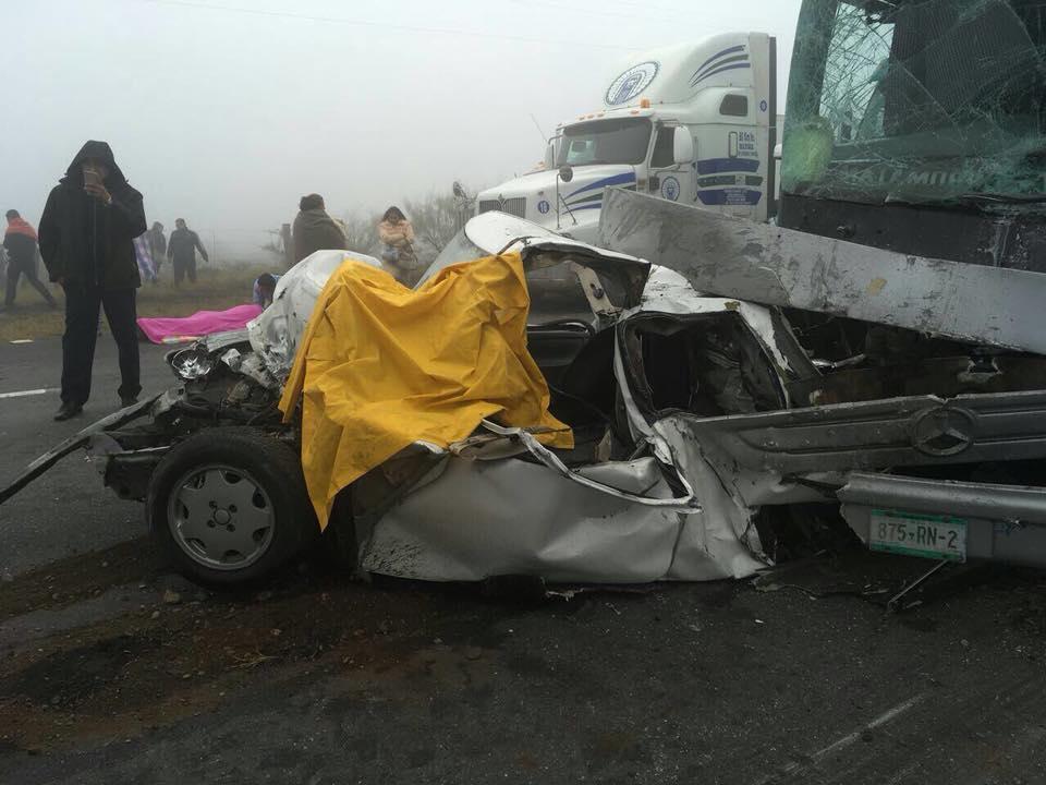 Cierre total de rutas a Saltillo, tras choque con dos muertos