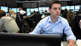 Las acciones de las Bolsas europeas recortan pérdidas
