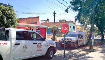 Vehículo impacta puesto de mariscos, en Jalisco; hay cinco lesionados