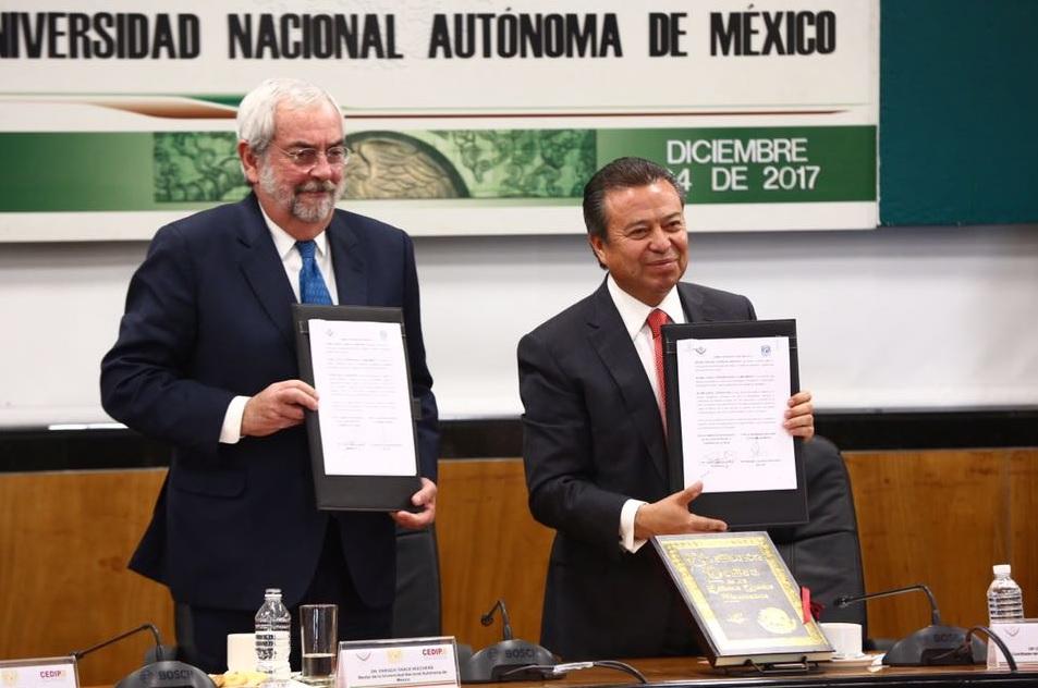 Lopez Obrador amlo demagogico cesar camacho