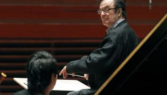Cantantes ópera y músico clásico acusan a Charles Dutoit de acoso sexual
