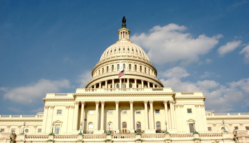 Congreso aprueba fondos evitar parálisis presupuestaria Estados Unidos