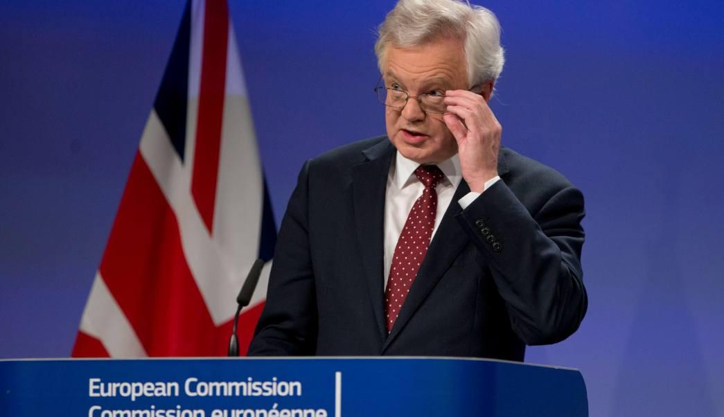 David Davis admite que ignoran el impacto económico del Brexit