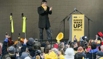 El expresidente catalán Carles Puigdemont dirige un mensaje en Bruselas