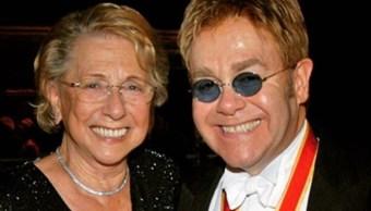 Elton John, 'conmocionado' por la muerte de su madre de 92 años