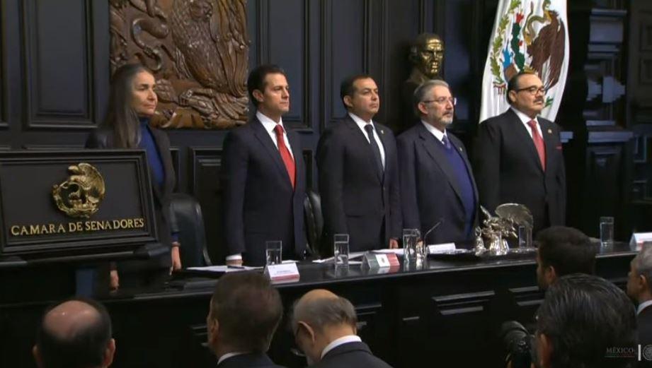 Entregan a Julia Carabias la Medalla Belisario Domínguez