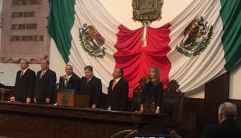 EPN felicita a Miguel Riquelme tras tomar protesta