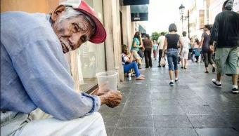 Castigarán con prisión la explotación laboral a adultos mayores en CDMX