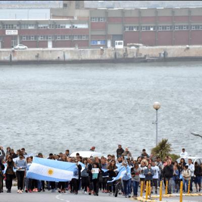 Armada argentina analiza si tres objetos son el submarino desaparecido