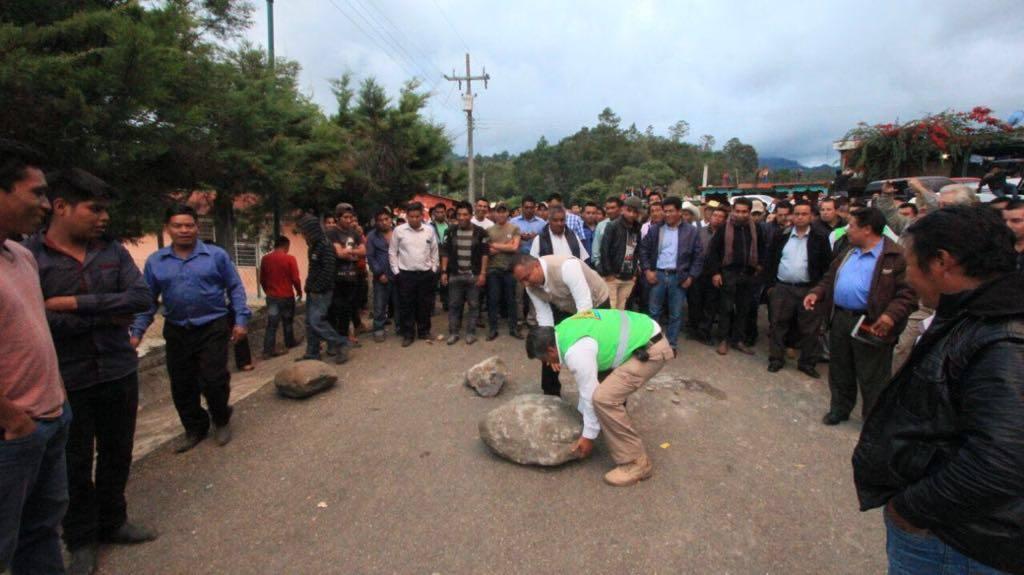 Retienen durante 12 horas a funcionarios de PC en Chenalhó, Chiapas