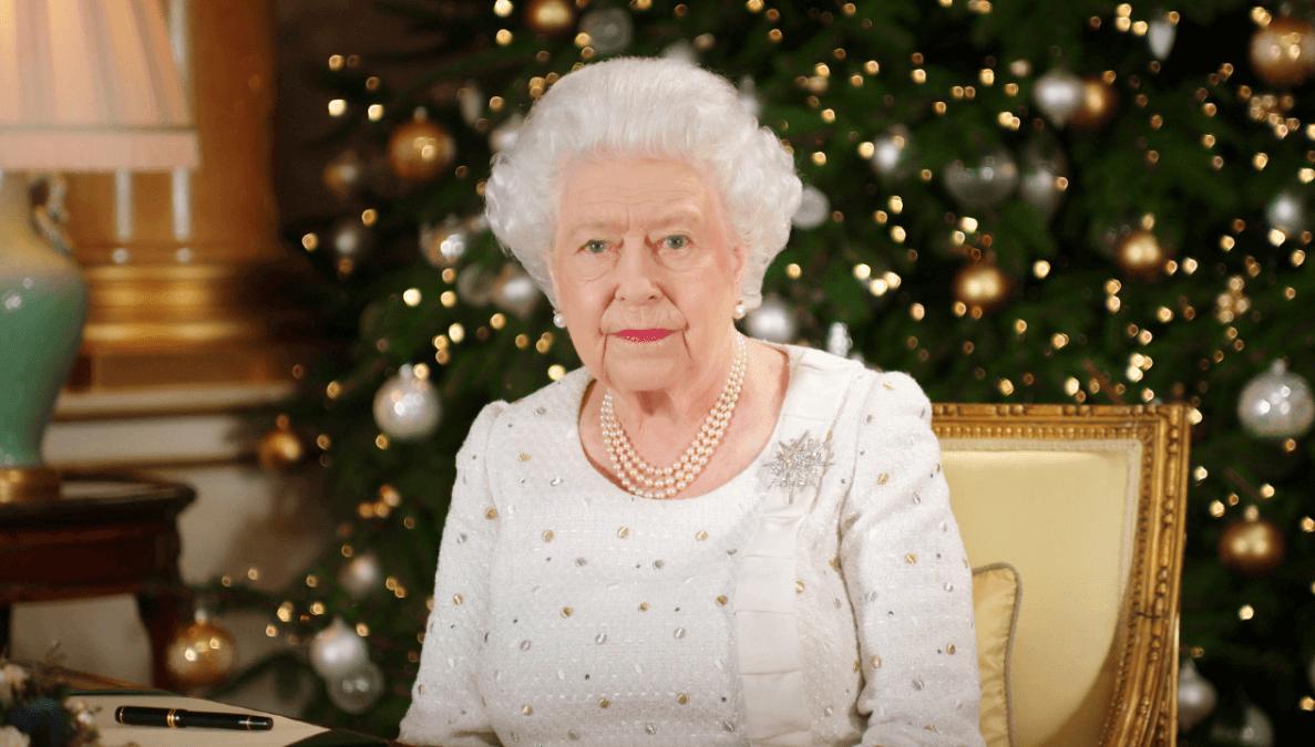 La reina Isabel II durante su mensaje de Navidad