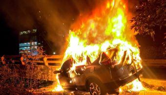 muere una persona al incendiarse su auto en autopista mexico toluca