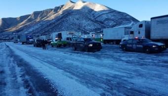 Carreteras de Coahuila y Nuevo León permanecen cerradas por nevadas