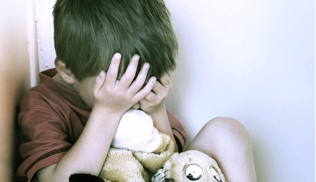 Detienen a mujer alemana por vender a su hijo para ser violado
