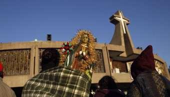 Visita peregrinos a la Basílica de Guadalupe