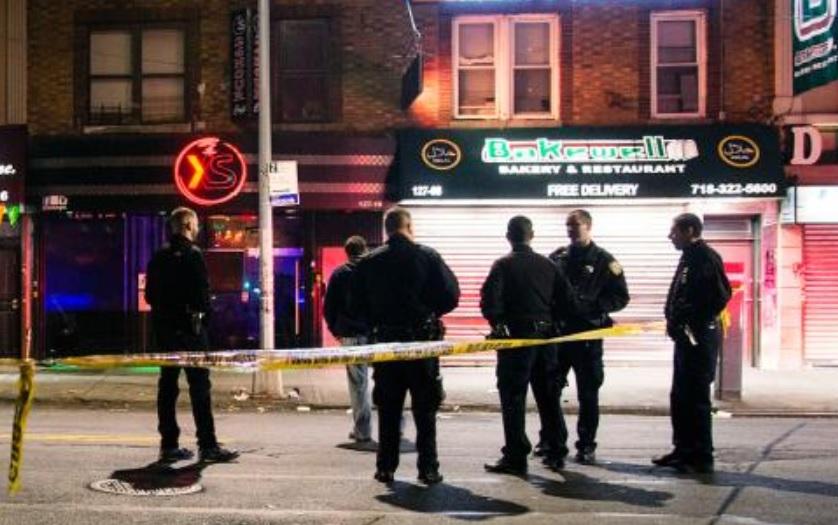 Atropellan intencionalmente a 4 en Nueva York; un muerto