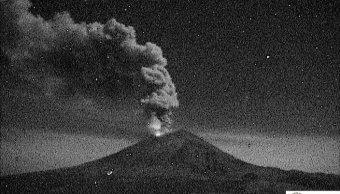 popocatepetl lanza exhalacion 2 5 kilometros altura esta madrugada