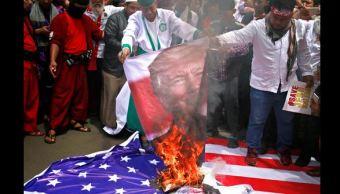 queman banderas eu yakarta indonesia como protesta jerusalen